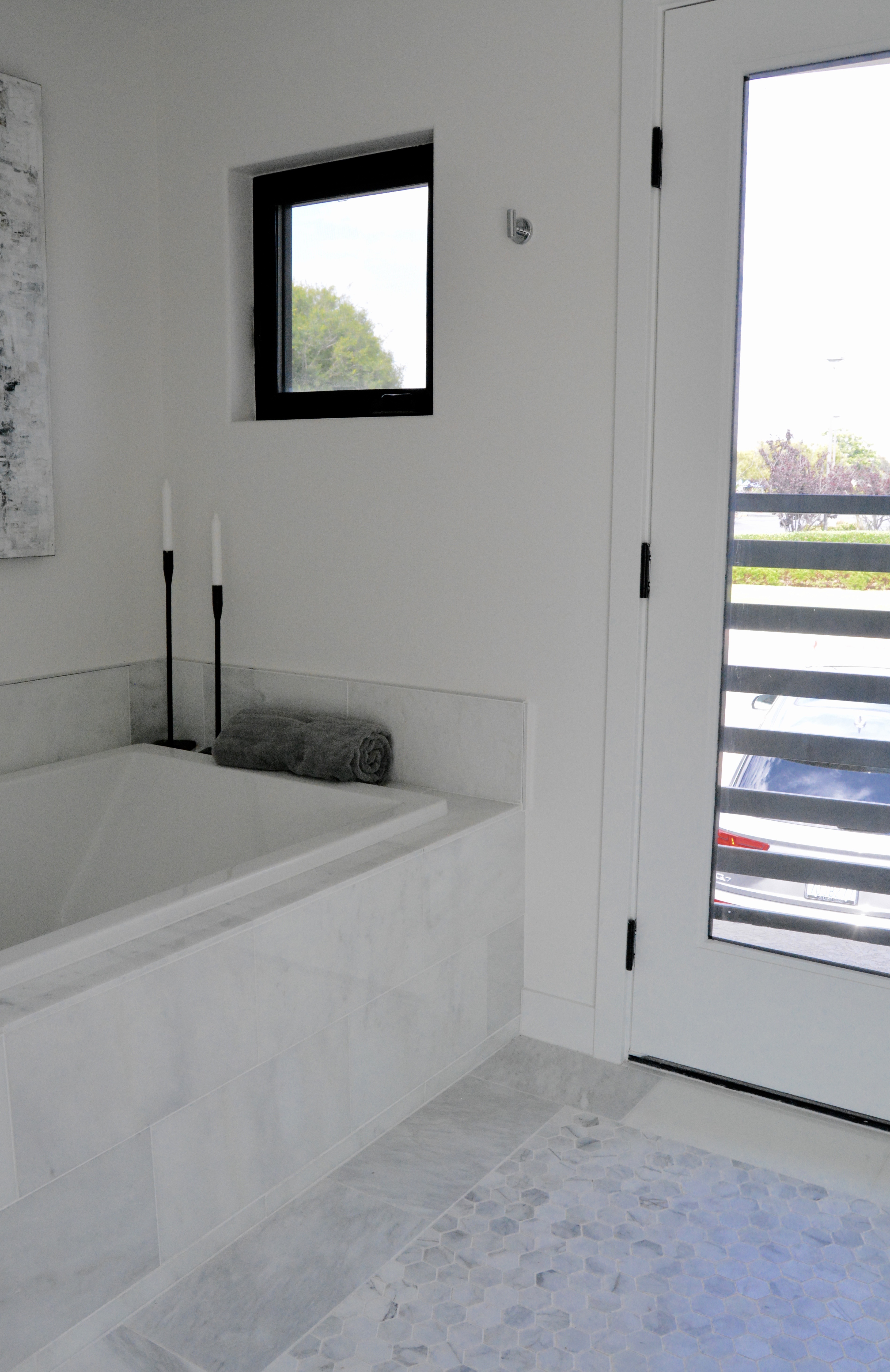 Modern Marble bathtub white gray bathroom black window